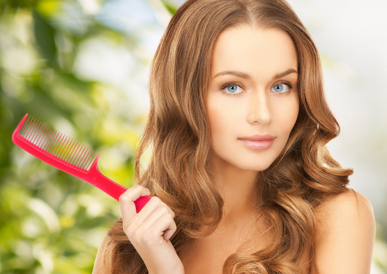 Что делать, если выпадают волосы при мытье головы?