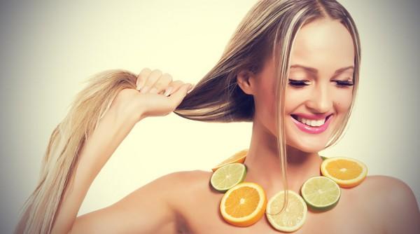 Какие витамины пить женщине при выпадении волос
