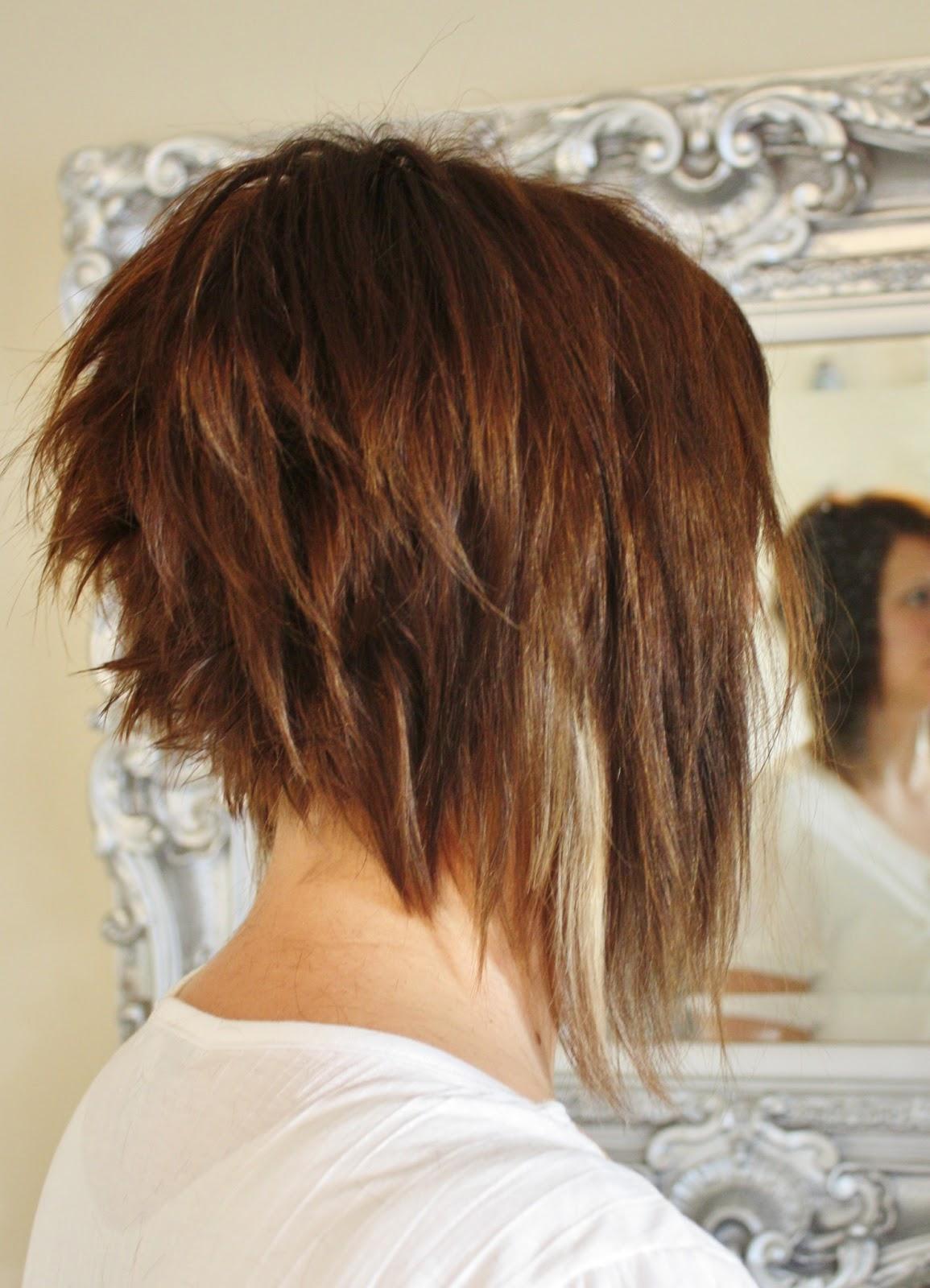 Удлиненный боб на волнистые волосы (30 фото)