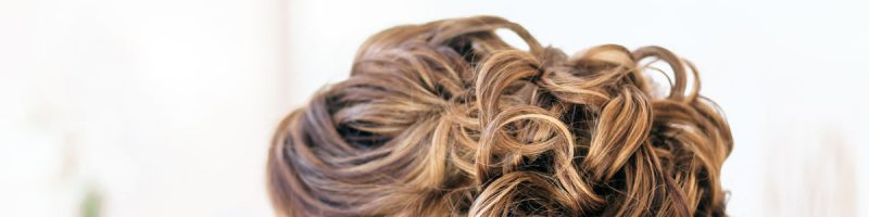 Следуем моде: легкие прически на средние волосы своими руками