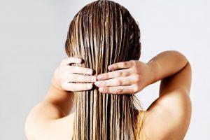 Волосы очень быстро жирнеют. Что делать если волосы быстро жирнеют