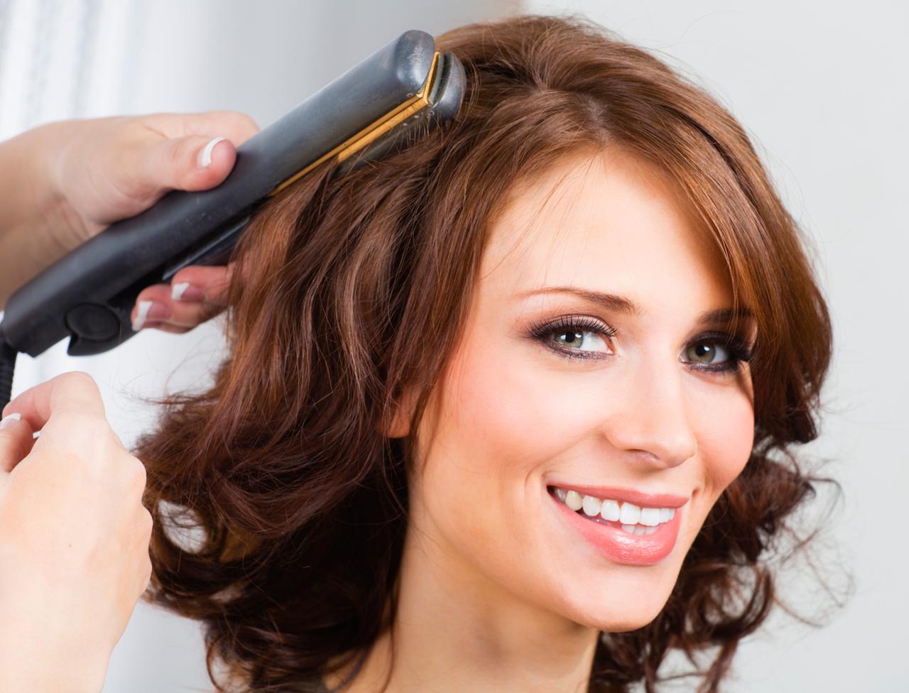 прически утюжком на средние волосы картинки