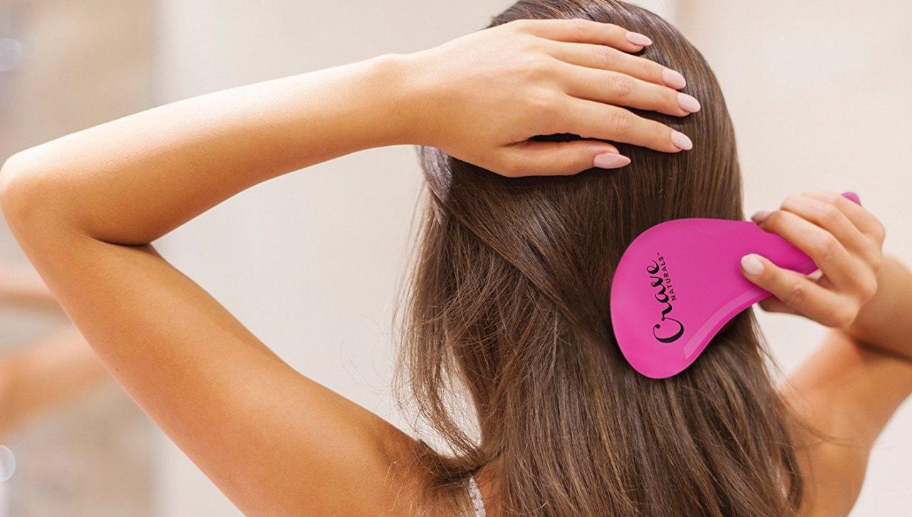 Расчесывать волосы во сне: что говорят толкователи?