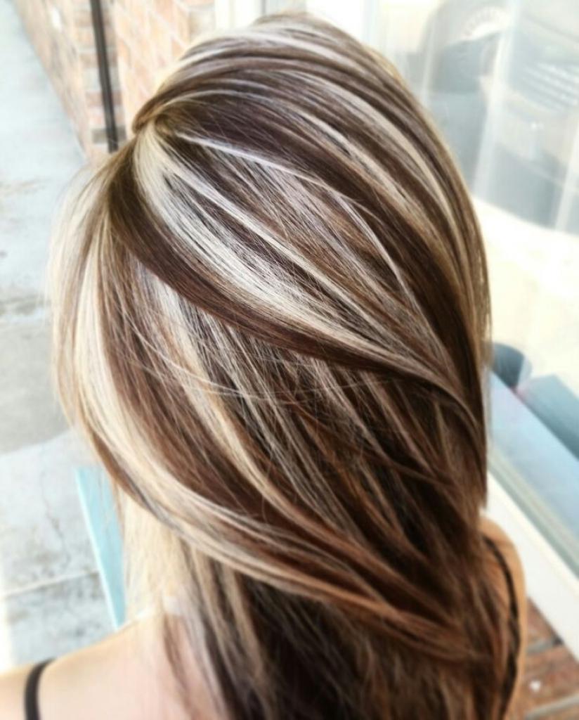 определить, мелирование темными прядями на светлые волосы фото уютный