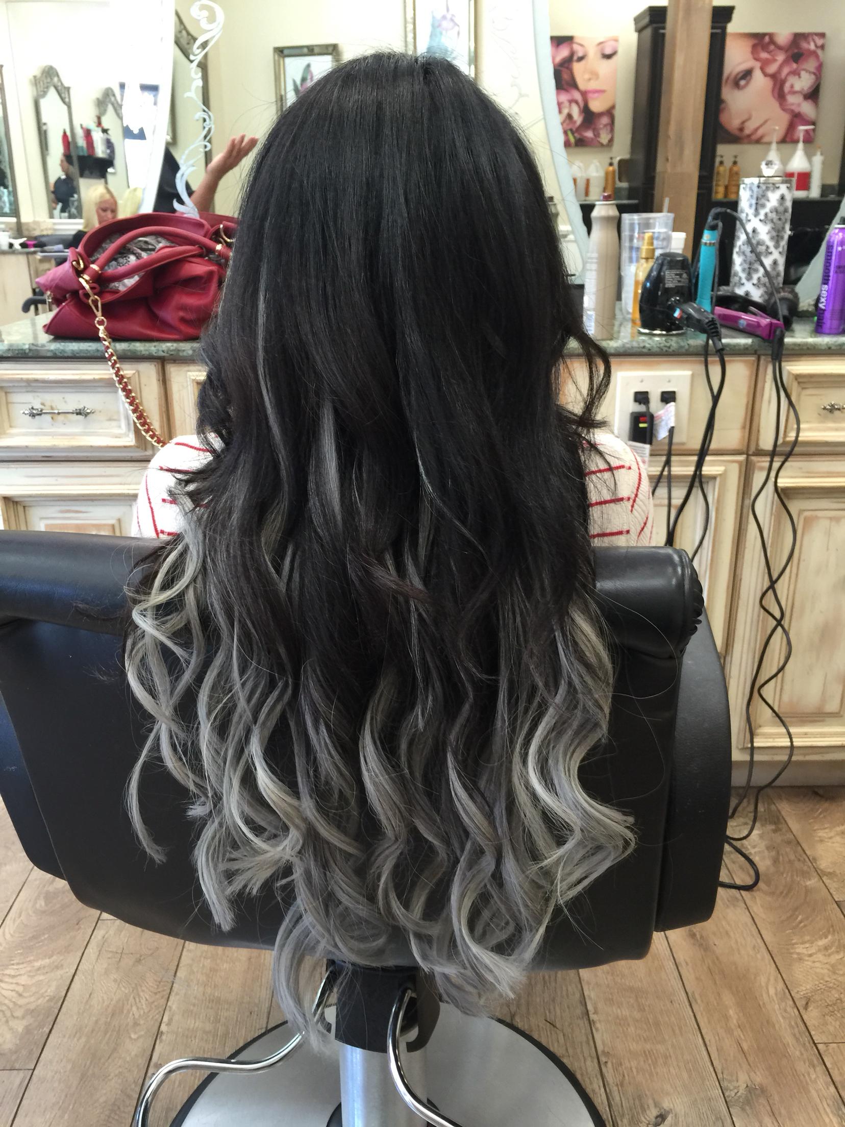 Белые пряди на темных волосах способы окрашивания 30
