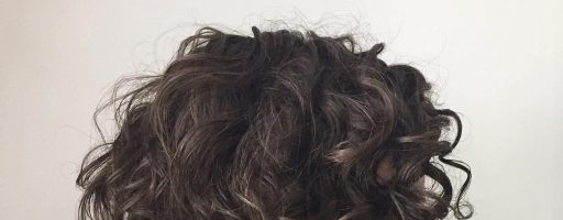 Боб-каре на вьющихся волосах (30 фото)