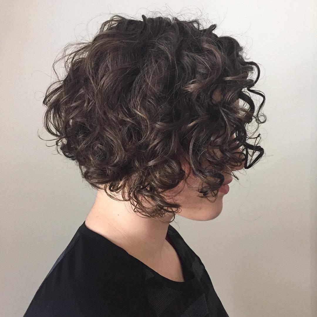 Прическа каре на вьющиеся волосы фото