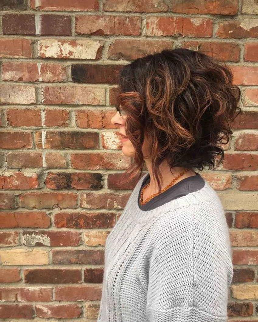 боб каре на вьющиеся волосы фото самоснимки возникла