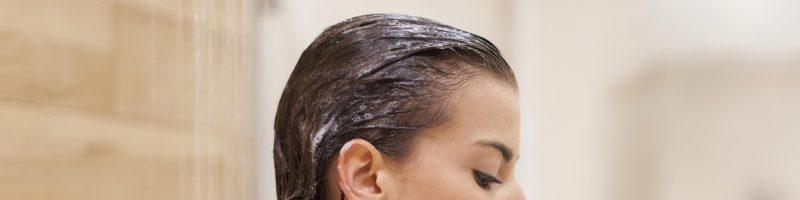 Мыть волосы хозяйственным мылом: нужно или нет?