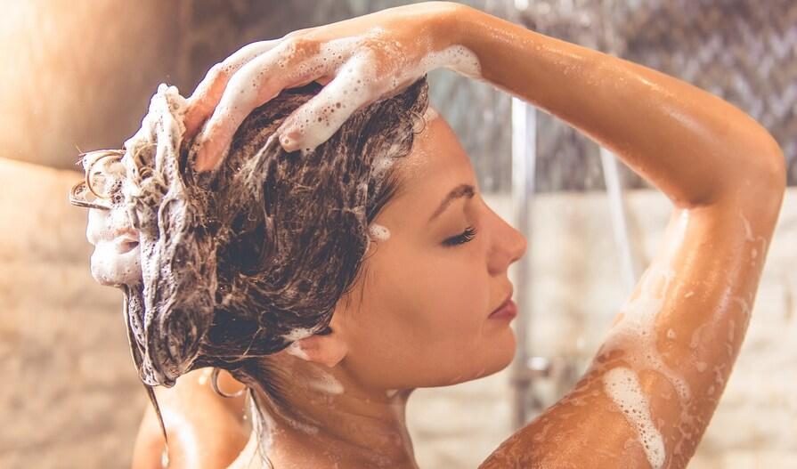 Девушки моются в душе картинки, жесткий анал секс чб фото