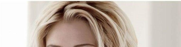 Cветлые оттенки волос для голубых глаз (26 фото)