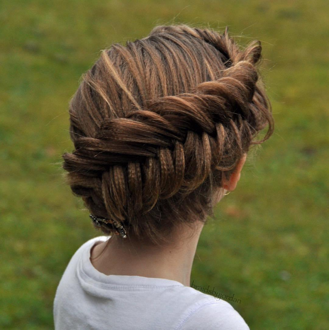 Уроки создания прически из кос на средние волосы