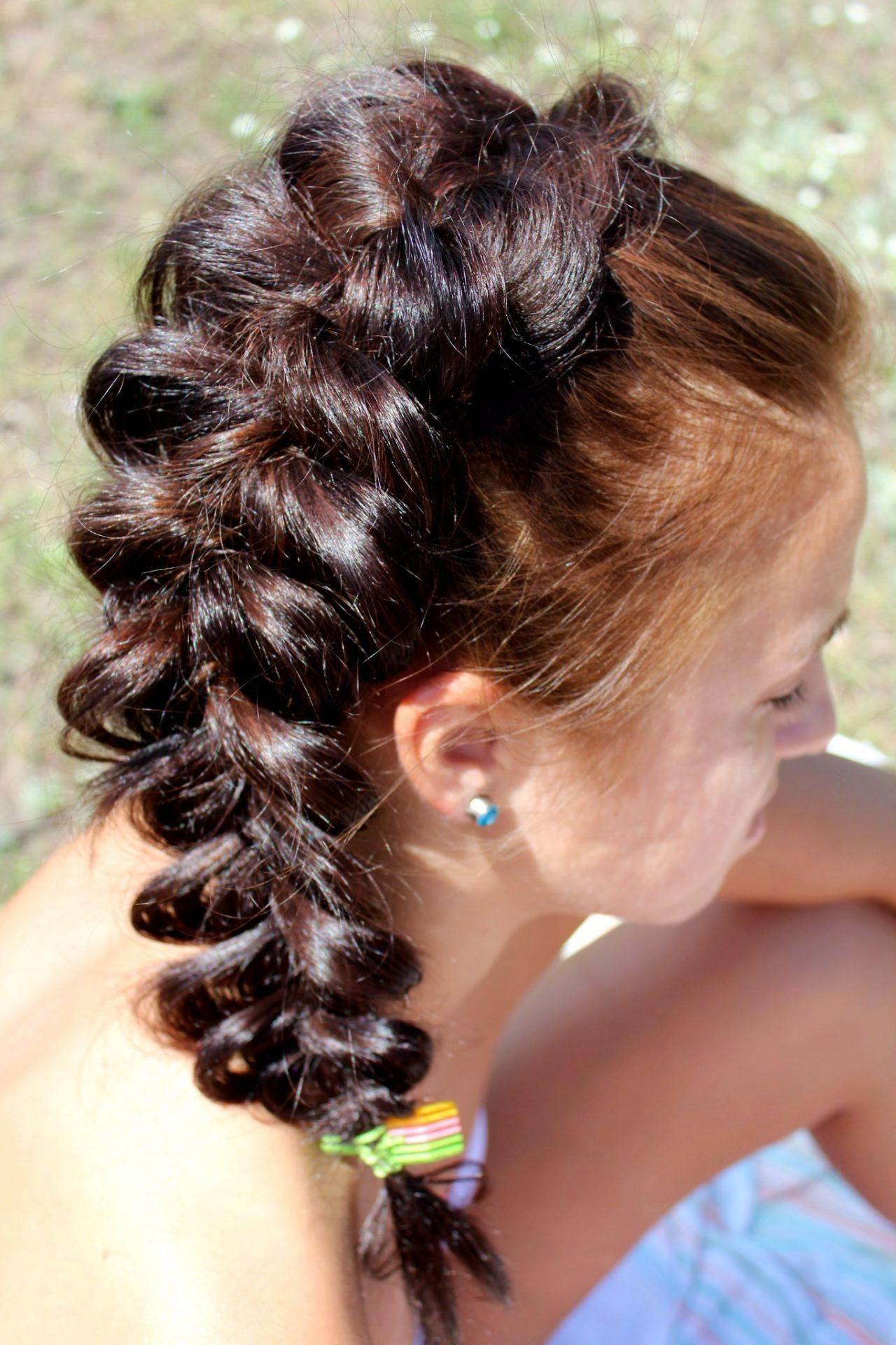 Как выглядят вывернутые косы? (20 фото)