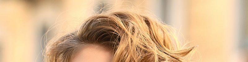 Простые и сложные прически на короткие волосы в домашних условиях