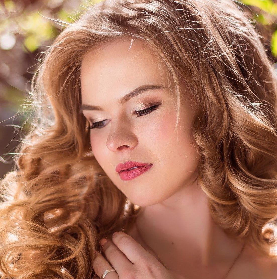 Накручиваем волосы в локоны: прическа, которая не может не нравиться