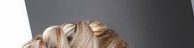Знания о поэтапном создании прически на средние волосы из косичек