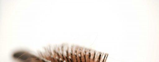 Спасаем себя в ситуации, когда выпадают сильно волосы
