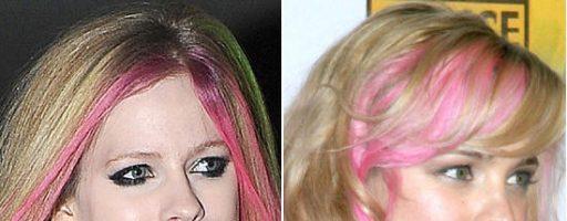 Цветные пряди на светлых волосах (27 фото)