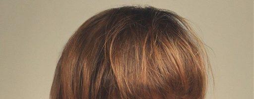 Стрижка на средние волосы с челкой для весеннего настроения