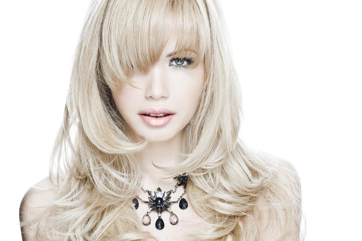 Результат от стрижки на средние волосы лесенкой на фото и в жизни