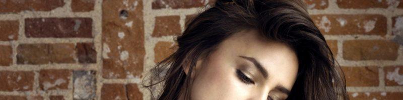 Чем руководствоваться, когда выбираем цвет волос под карие глаза?