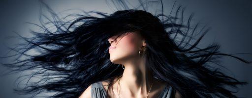 На что обращать внимание, если возникло желание иметь цвет волос иссиня черный?