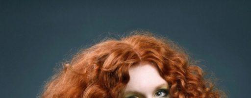 Длинные кудрявые волосы (28 фото)